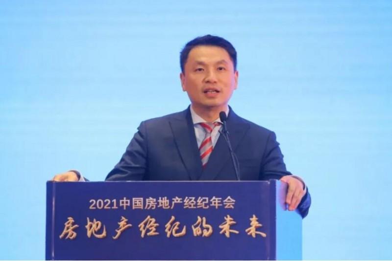 中原地产中国内地总裁 赖国强  贴地飞
